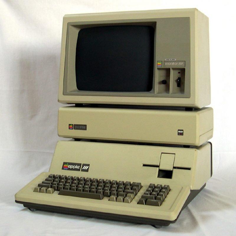 (1983) Apple III Plus