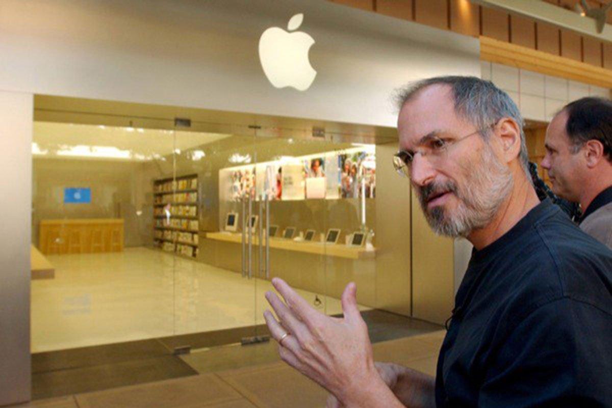 Steve-Jobs-Apple-Store