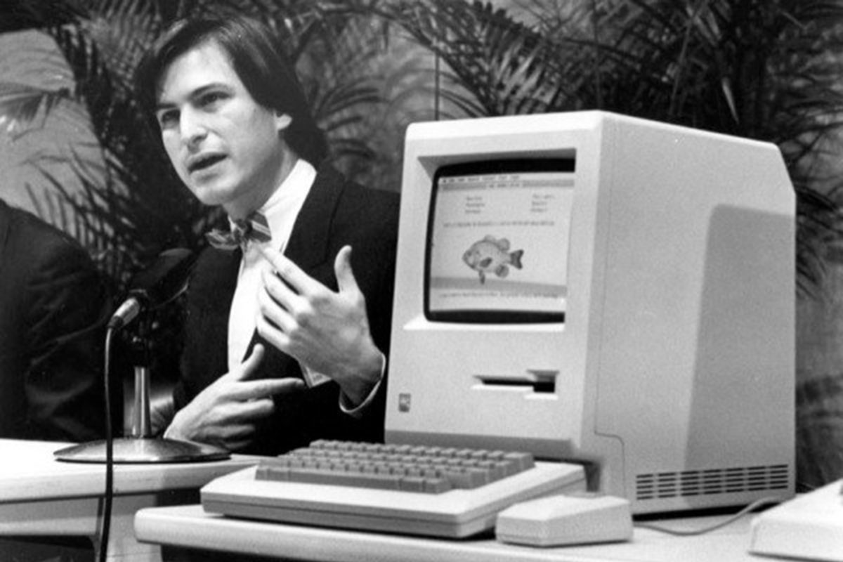 Steve-Jobs-Macintosh