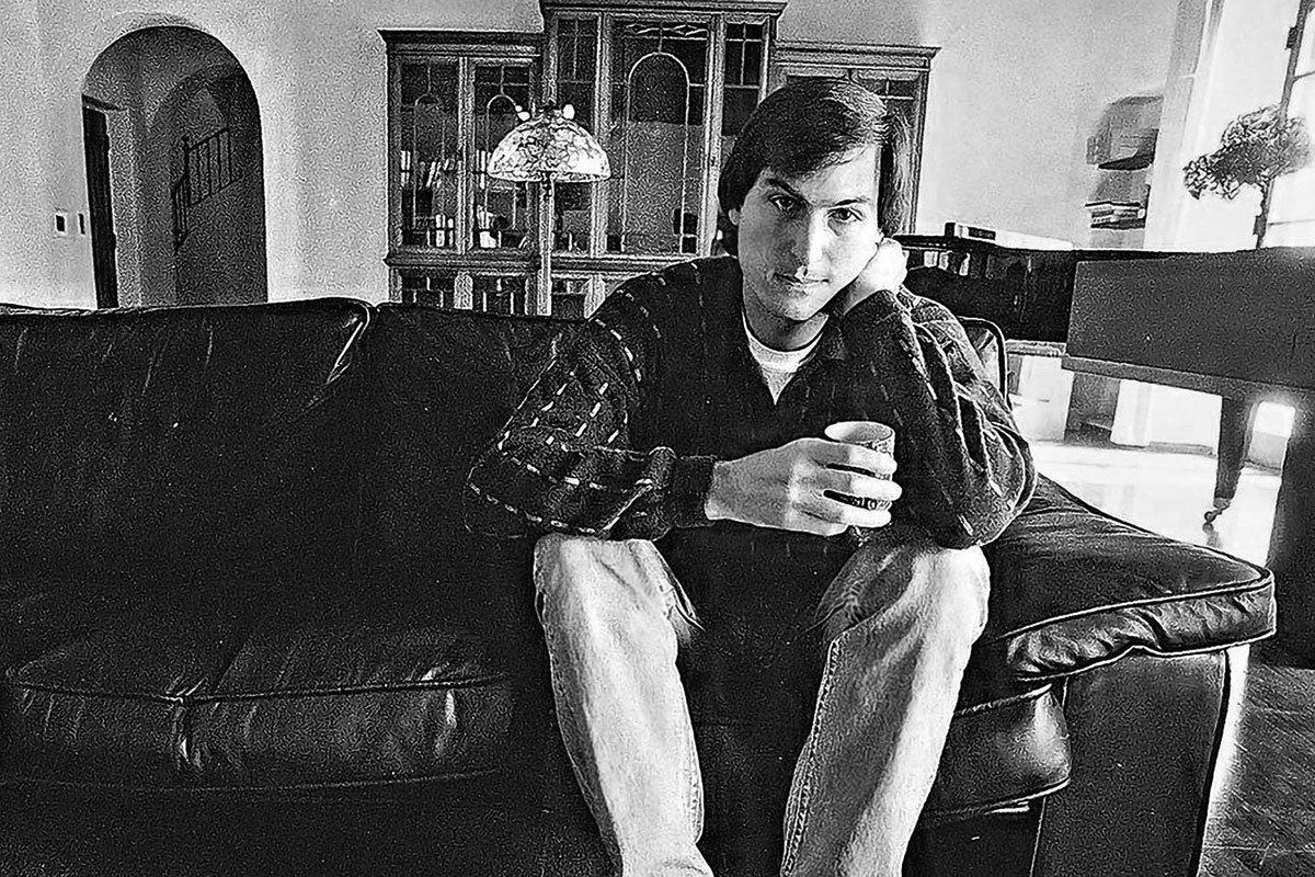Steve-Jobs-Portrait-02