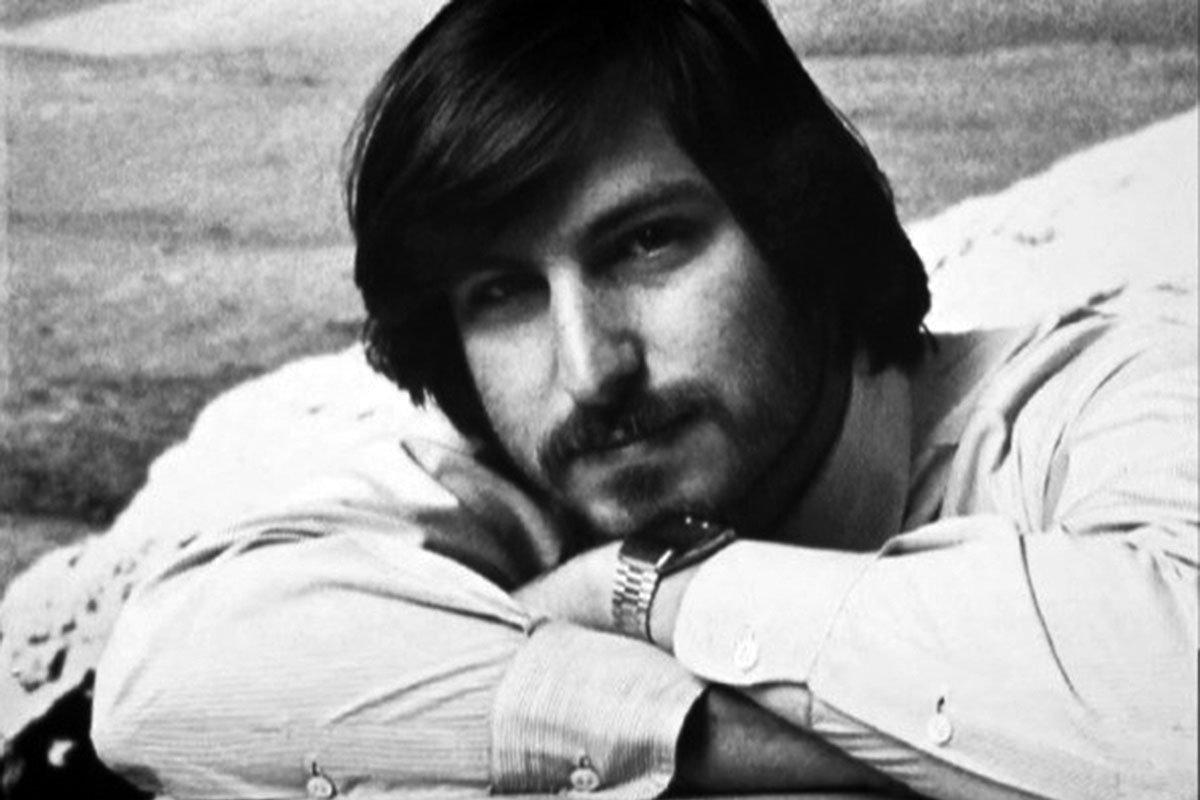 Steve-Jobs-Portrait-12