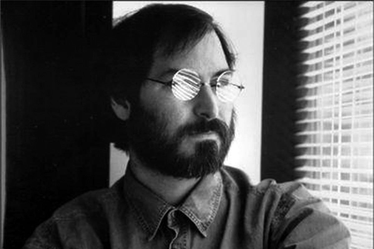 Steve-Jobs-Portrait-15
