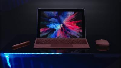 Microsoft presenta il Surface Go: il tablet da 10″ in riposta all'iPad entry-level [Video]