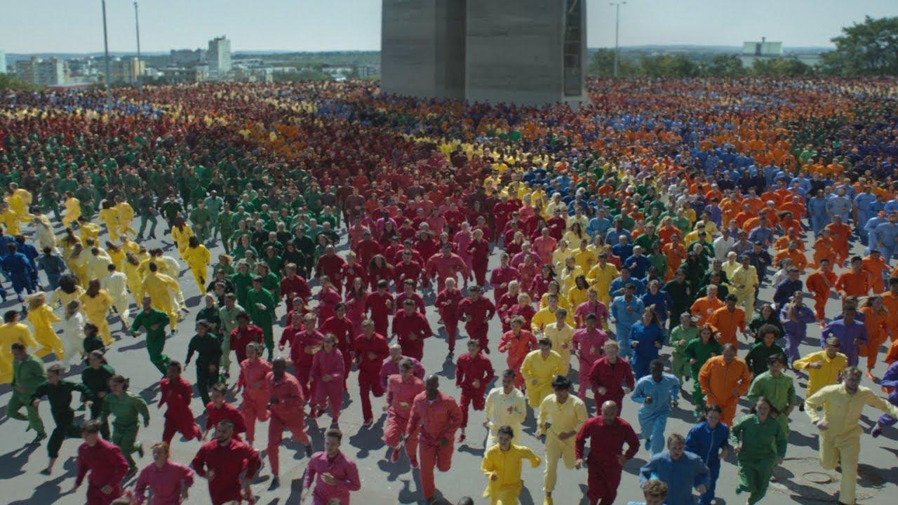Color Flood, il nuovo sport Apple dedicato all'iPhone XR [Video]